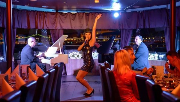 valentines day dinner and cruise budapest