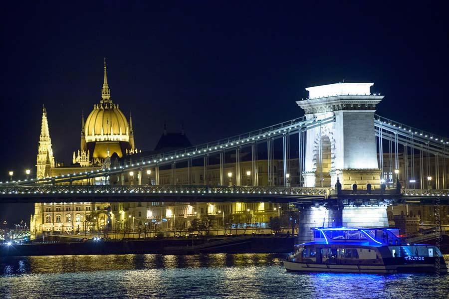 budapest cruise with dinner